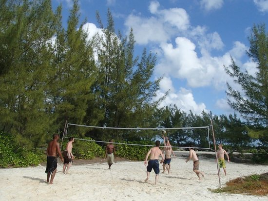 Pat & Diane Snorkeling : A fun game of Volleyball after our fantastic lunch.