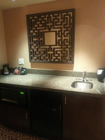 "Courtyard by Marriott Lake Placid: ""bar area"""