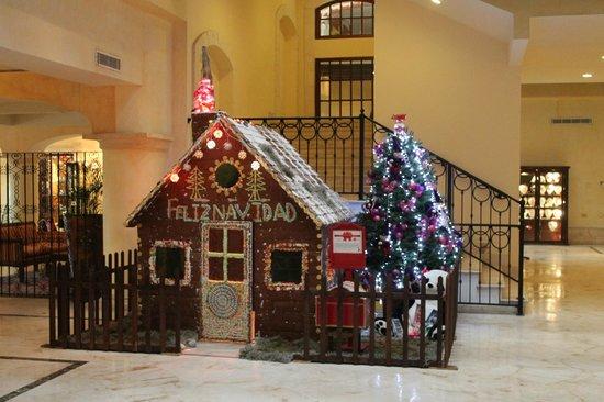 Secrets Capri Riviera Cancun : Gingerbread house