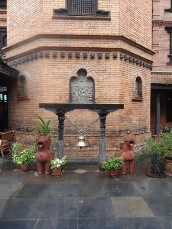 Kantipur Temple House : As you open the heavy wooden door from the street into the hotel