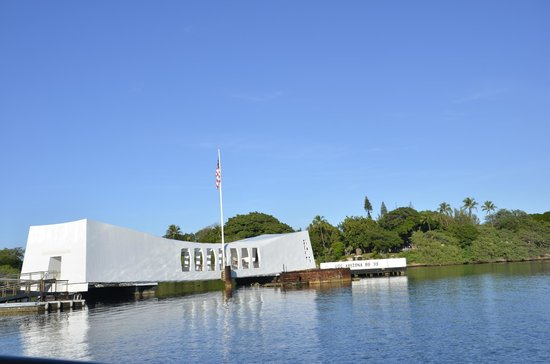 Discover Hawaii Tours: USS Arizona at Pearl Harbour