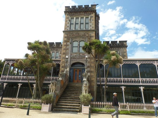 Headfirst Travel - Day Tours: Larnach Castle