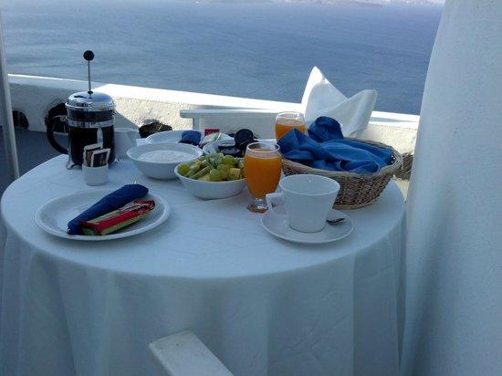 Atrina Canava 1894: Café da manhã na varanda