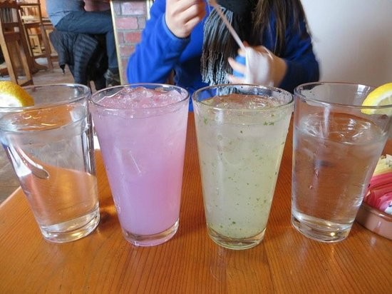 Gutiz: desert pear lemonade and mint lemonade