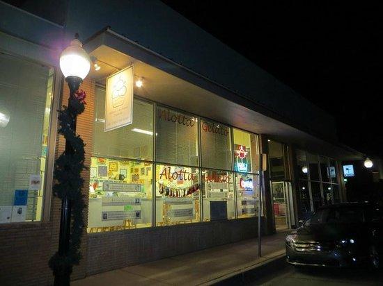 Alotta Gelato: Store front