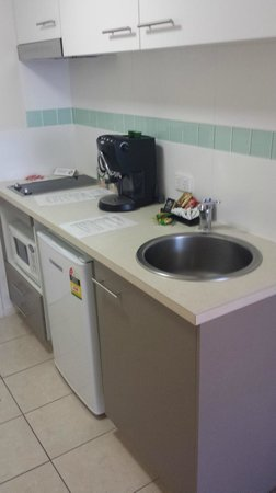 Toowoomba Central Plaza Apartment Hotel: Coffee Machine works wonders, although the instructions on how to use it could be improved