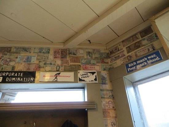 World Cup Cafe : Walls of money