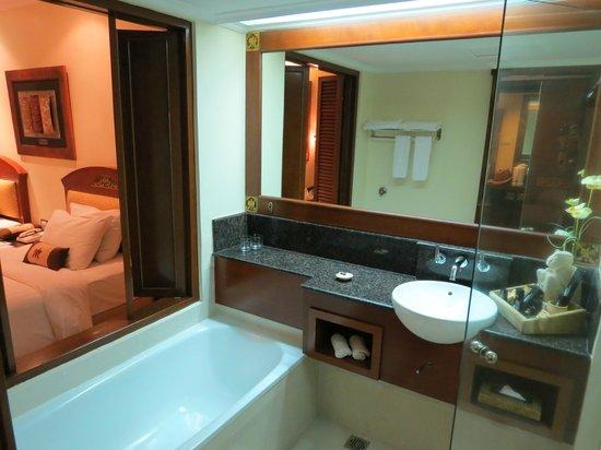Grand Mirage Resort : bath