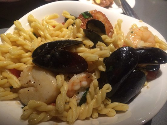 The Hershey Grill at the Hershey Lodge : Seafood pasta