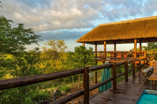 Sausage Tree Safari Camp: The main lodge at sunrise