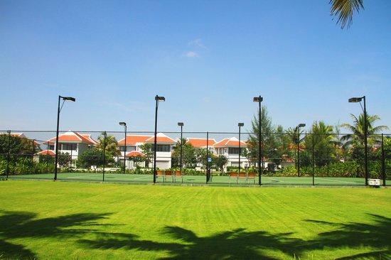 The Ocean VillasTennis Court