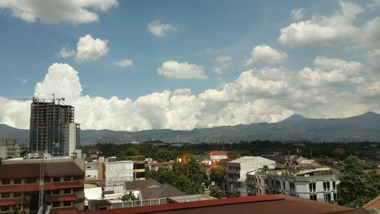 Prama Grand Preanger: More of top class view from hotel room