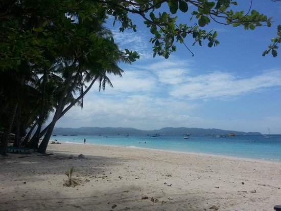 Surfside Boracay Resort & Spa: right on the beautiful beach