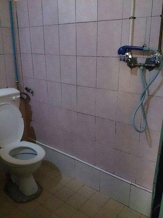 Kang Travellers Lodge (Daniel's Lodge): Clean bathroom