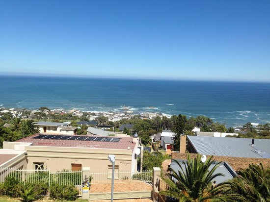 African Dreams Guest House: Camps bay view
