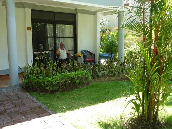Puri Saron Seminyak: Dlx Bungalow - good size terrace, nice garden view