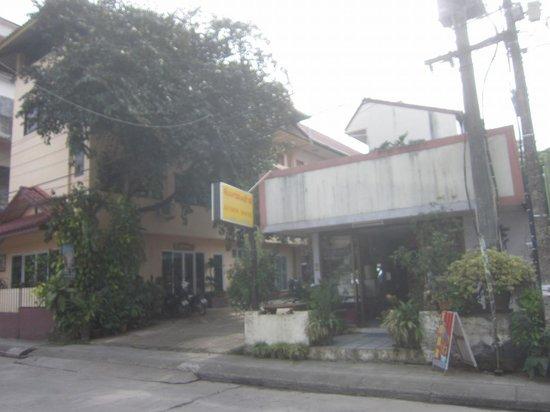 Jansom House: 2