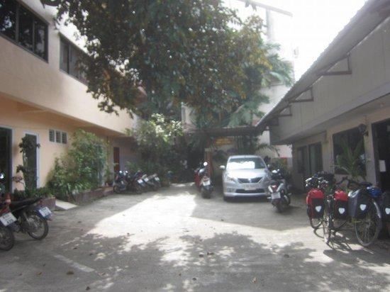 Jansom House: 4