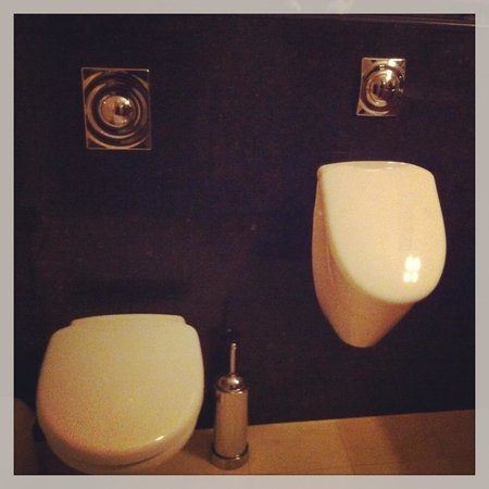 Le Quartier Sonang: Toilettes originales