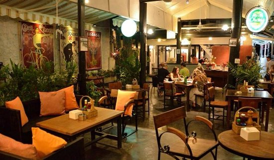 Ranee's Restaurant: Welcome to Ranee's velo Restaurant!!
