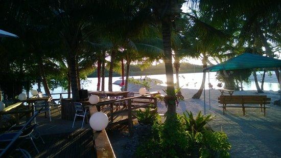 Aquana Beach Resort: the resort view to the water