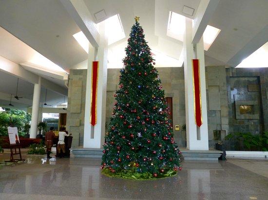 The Privilege Floor @Borei Angkor: Hotel Entrance-Christmas