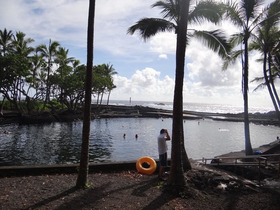 Ahalanui Park : The water area