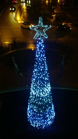 Hilton Cardiff: The Christmas Tree outside our window