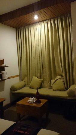 Hotel Amazing Nyaung Shwe: Sitting area