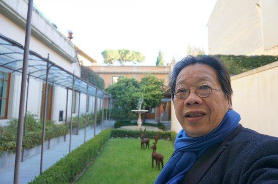Hotel Orto De Medici: Dr. Tran Quang Hai at the garden of the hotel