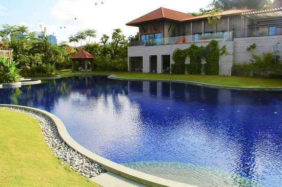 Resorts World Sentosa - Equarius Hotel: Swimming pool!