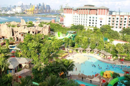 Resorts World Sentosa - Equarius Hotel: View from our unit!