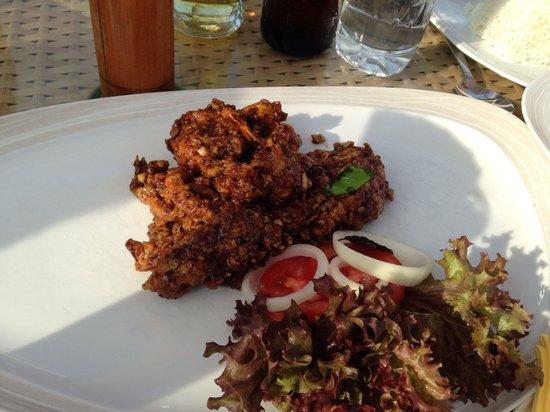 Sheraton Hua Hin Resort & Spa: Luna Lanai beach bar: black pepper softsell crabs