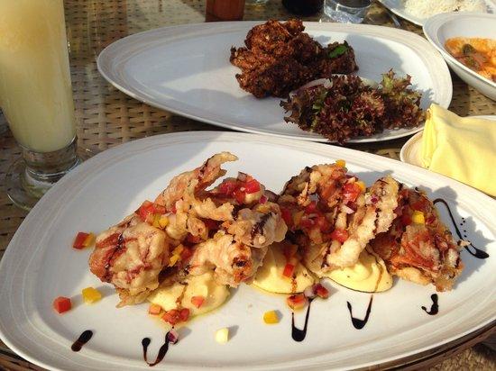 Sheraton Hua Hin Resort & Spa: Luna Lanai beach bar: crusty softsell crabs