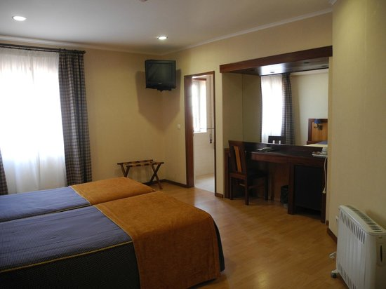 Hotel Aveiro Center: Номер
