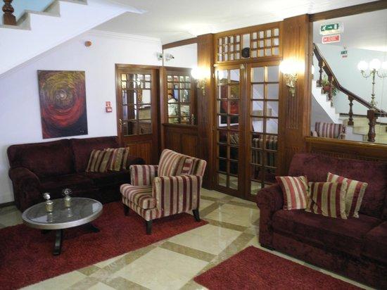 Hotel Aveiro Center: Холл