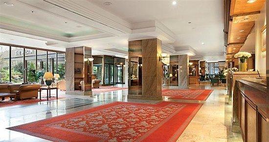 The Westin Zagreb: Hotel lobby