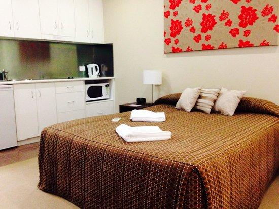 Merivale Motel : Comfy bed