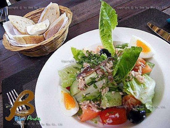 Lagoon Cuit: Nicoise Salad