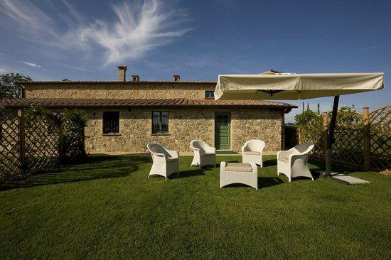 Giardino privato deluxe suite caravaggio picture of - Hotel il giardino siena ...