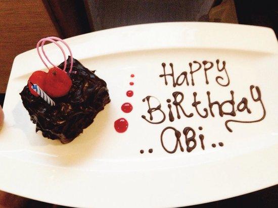 Padma Hotel Bandung: Surprise birthday cake