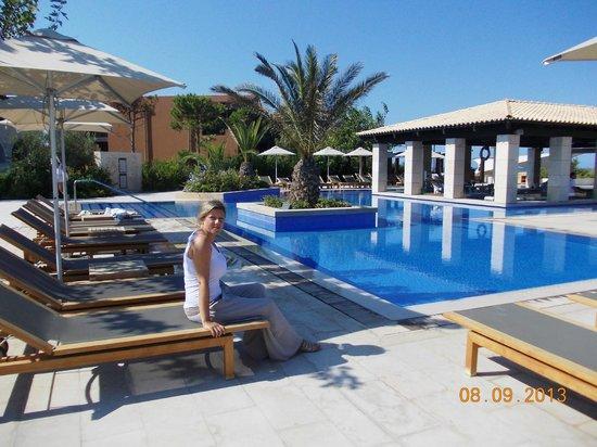 The Romanos Resort, Costa Navarino: Swimming pool area