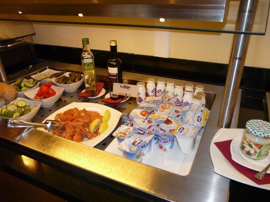 Star Inn Hotel Budapest Centrum, by Comfort: Frühstücksbuffet