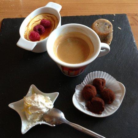 Le Belvédère : Le café gourmand est un délice