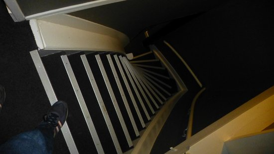 Ibis Styles Amsterdam Amstel: Stairs