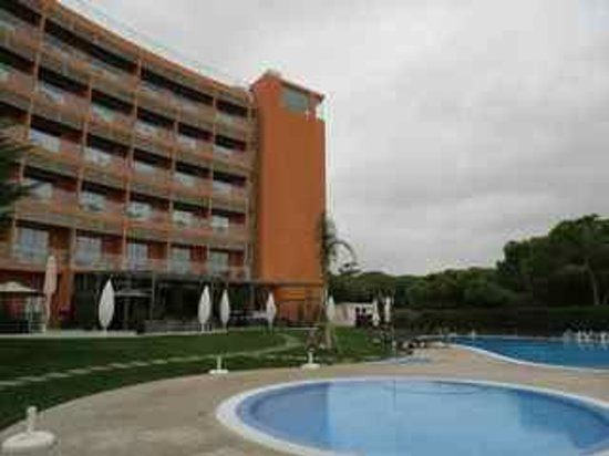 Aqua Pedra dos Bicos Design Beach Hotel: Front of Hotel