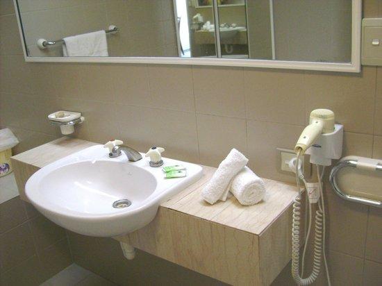 Silver Sands Resort : Bathroom