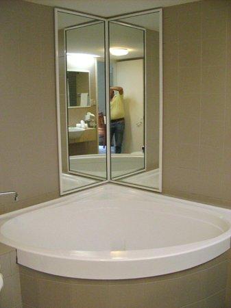 Silver Sands Resort: Bathroom