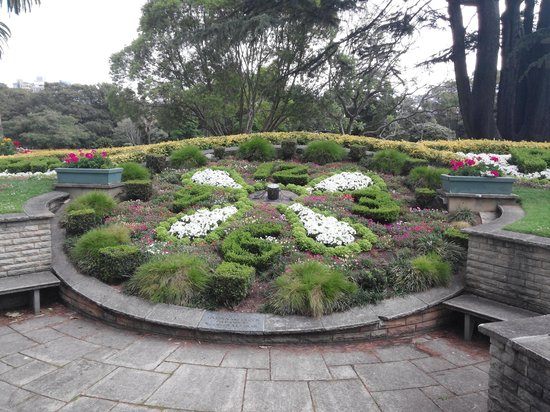 Albert Park: clock