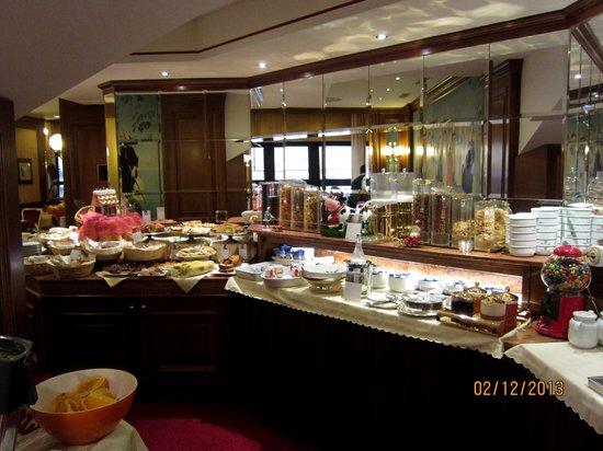 Lugano Dante Center Swiss Quality Hotel: Завтрак